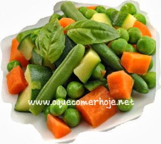 Caldos Caseiros: como fazer caldos caseiros (legumes, carne, frango, peixe, camarão, soja)