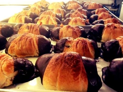 croissant de chocolate com massa folhada pronta
