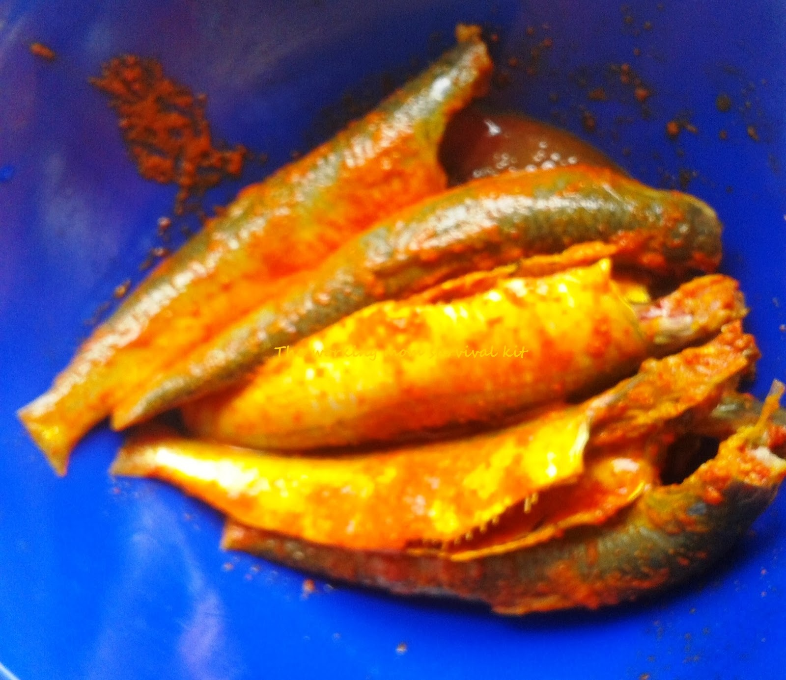 Kerala Recipe - Fish curry with coconut / mathi curry Kannur style