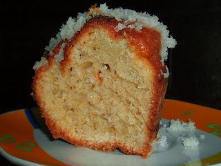 Bolo de coco e milho