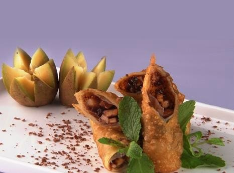 MUDAPPLE AND CHOCOLATE SPRING ROLL