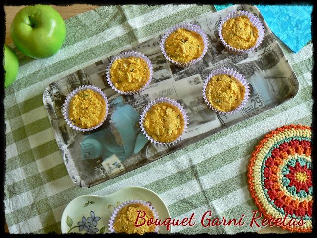 Muffins de harina de maíz y queso