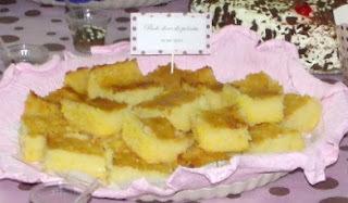 Bolo de polenta com coco (doce)