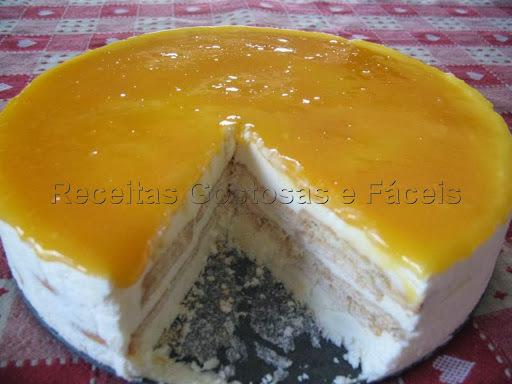 Torta Gelada de Natas e Bolacha