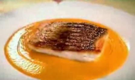 Video: Robalo com molho agridoce de pimento de Gordon Ramsay