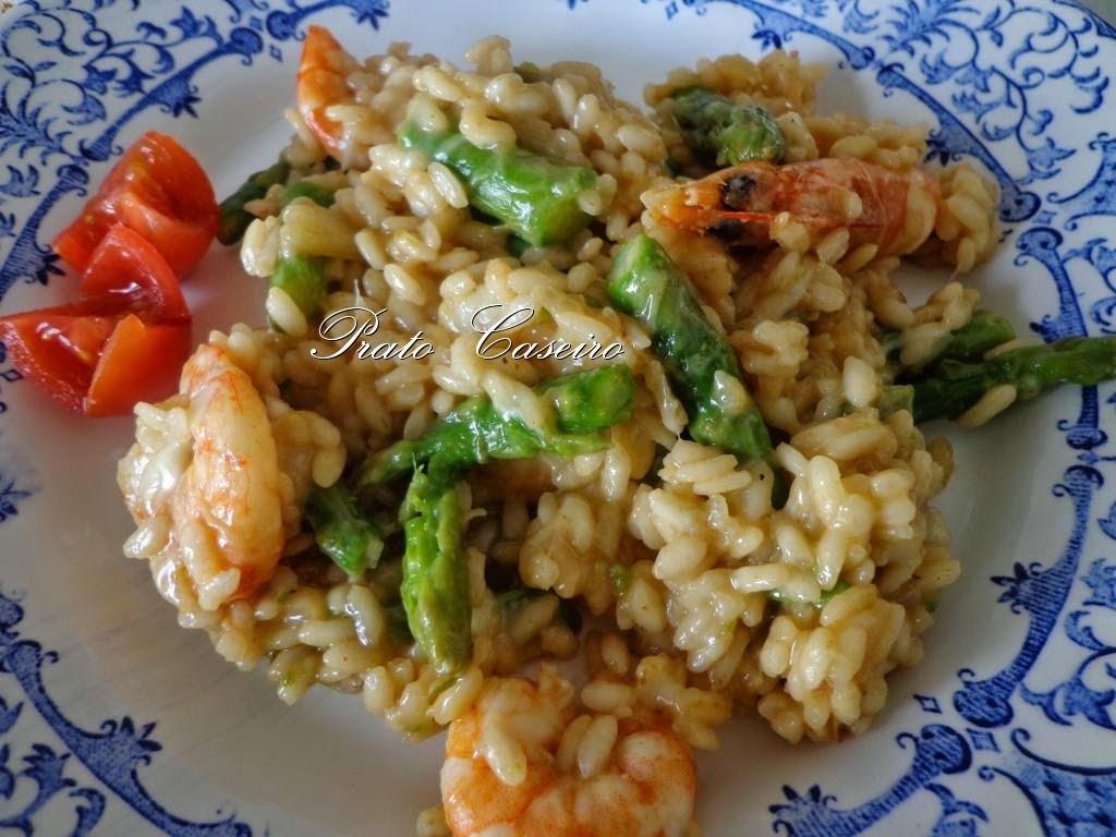 Risotto de espargos verdes e camarão