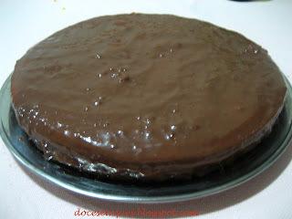 pavê de chocolate fácil com base de bolo