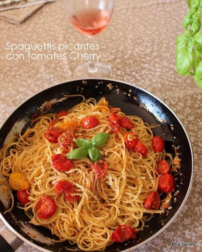 Spaguettis picantes con tomates Cherry