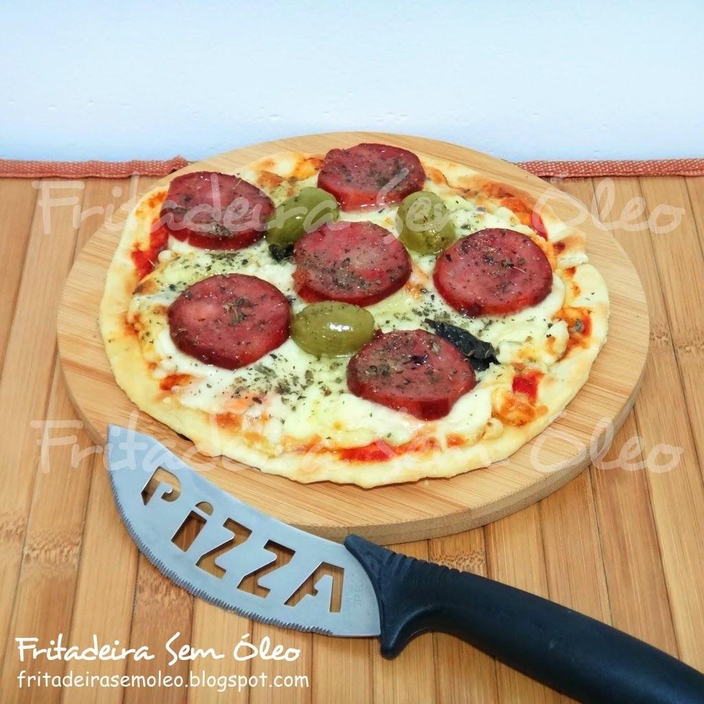 Pizza com Massa Caseira na AirFryer