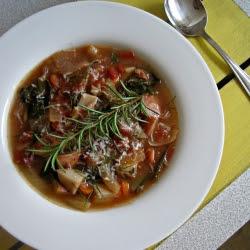 Kelová polievka s údeným mäsom