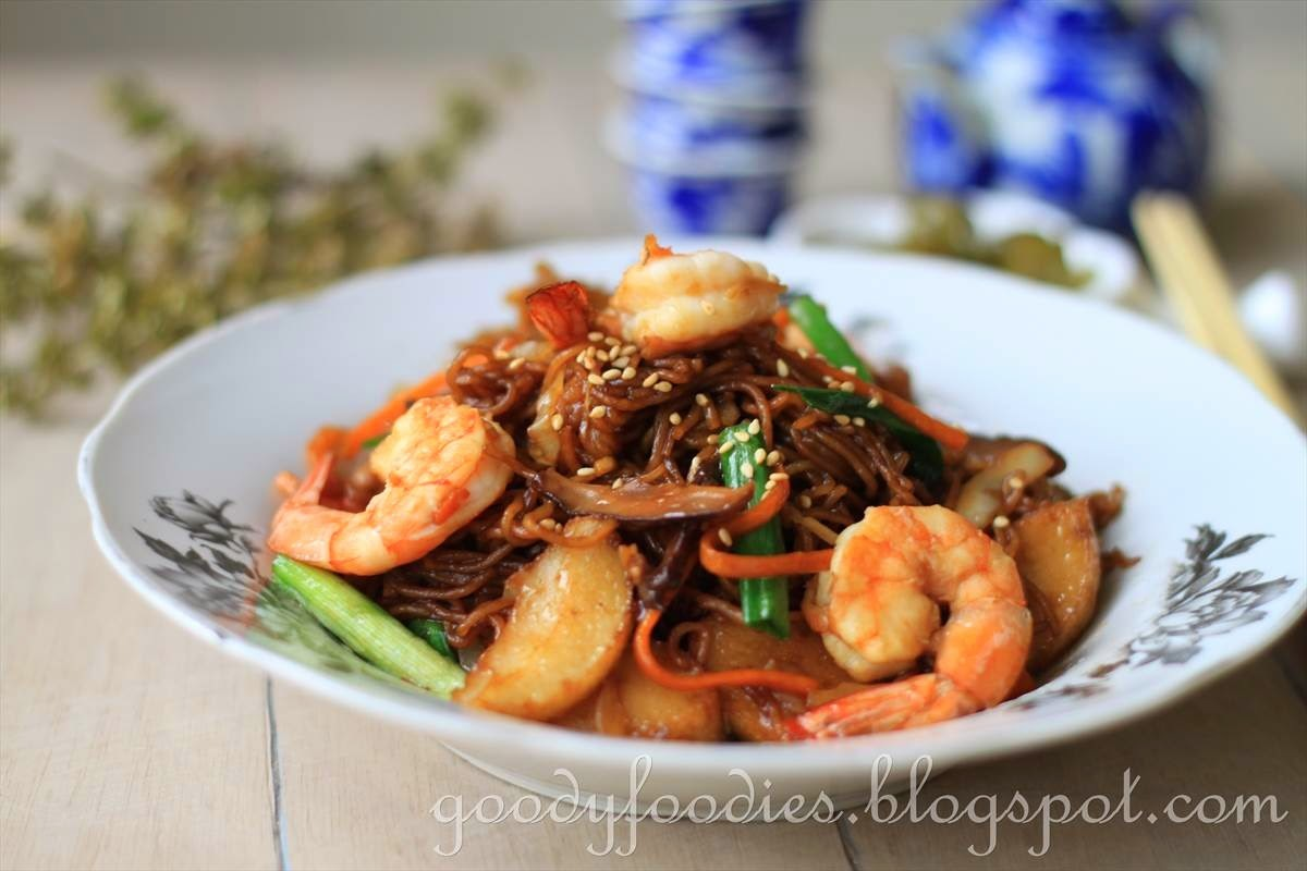Recipe: Chinese Stir Fried Egg Noodles (生面 sang meen)