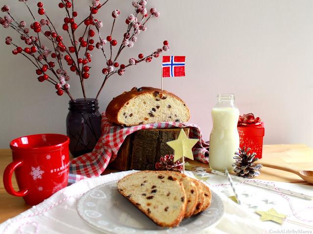 """{ En attendant Noël } Julekake, """"gâteau de Noël"""" brioché norvégien aux fruits secs et confits, parfumé à la cardamome"""
