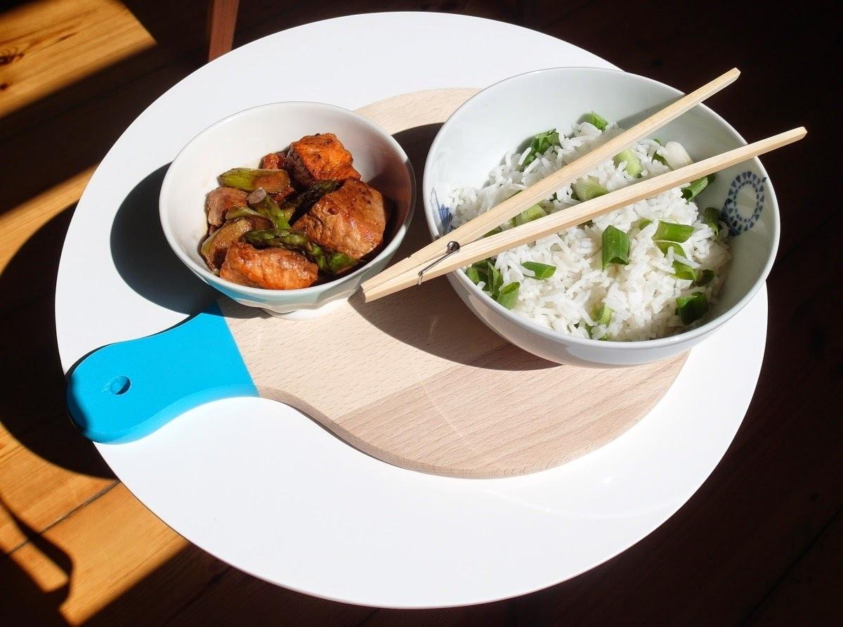 Losos so špargľou na japonský spôsob (superrýchle, superjednoduché a nesmierne chutné)