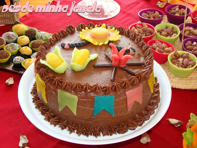de bolos fofo recheados recheado com chocolate e coco