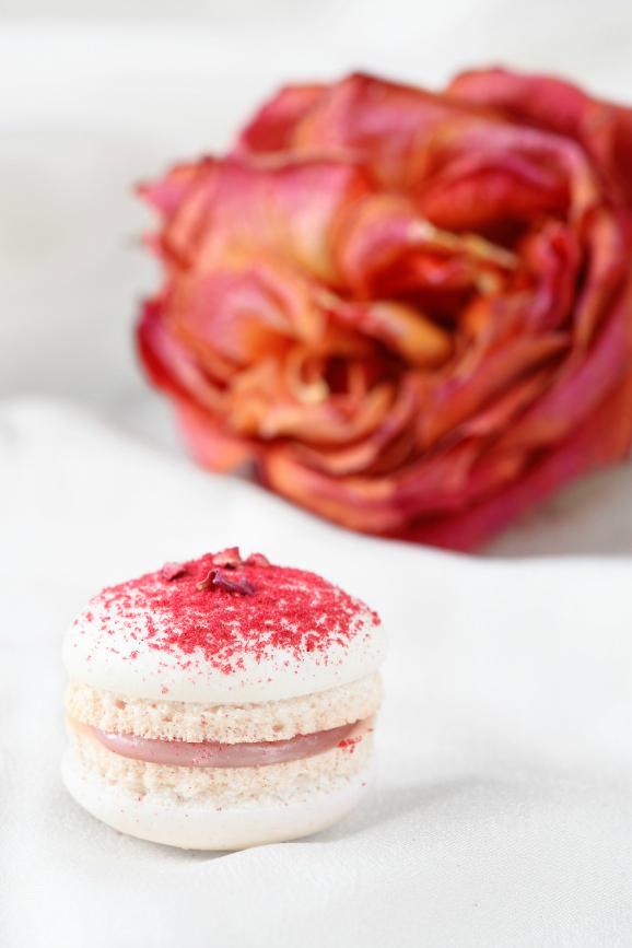 Макаронс с малиной и розовой водой / Macarons de framboesa e água de rosas