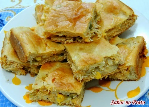 recheio de torta salgada de pão de forma de sardinha
