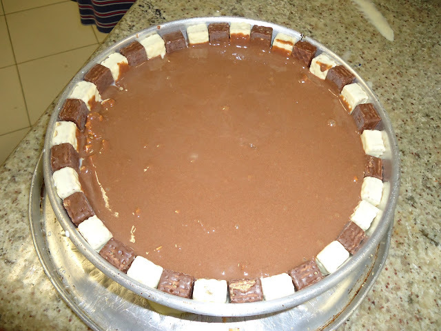 de torta de bolacha com chocolate bis