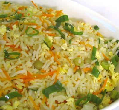 arroz com legumes milho frango tudo gostoso