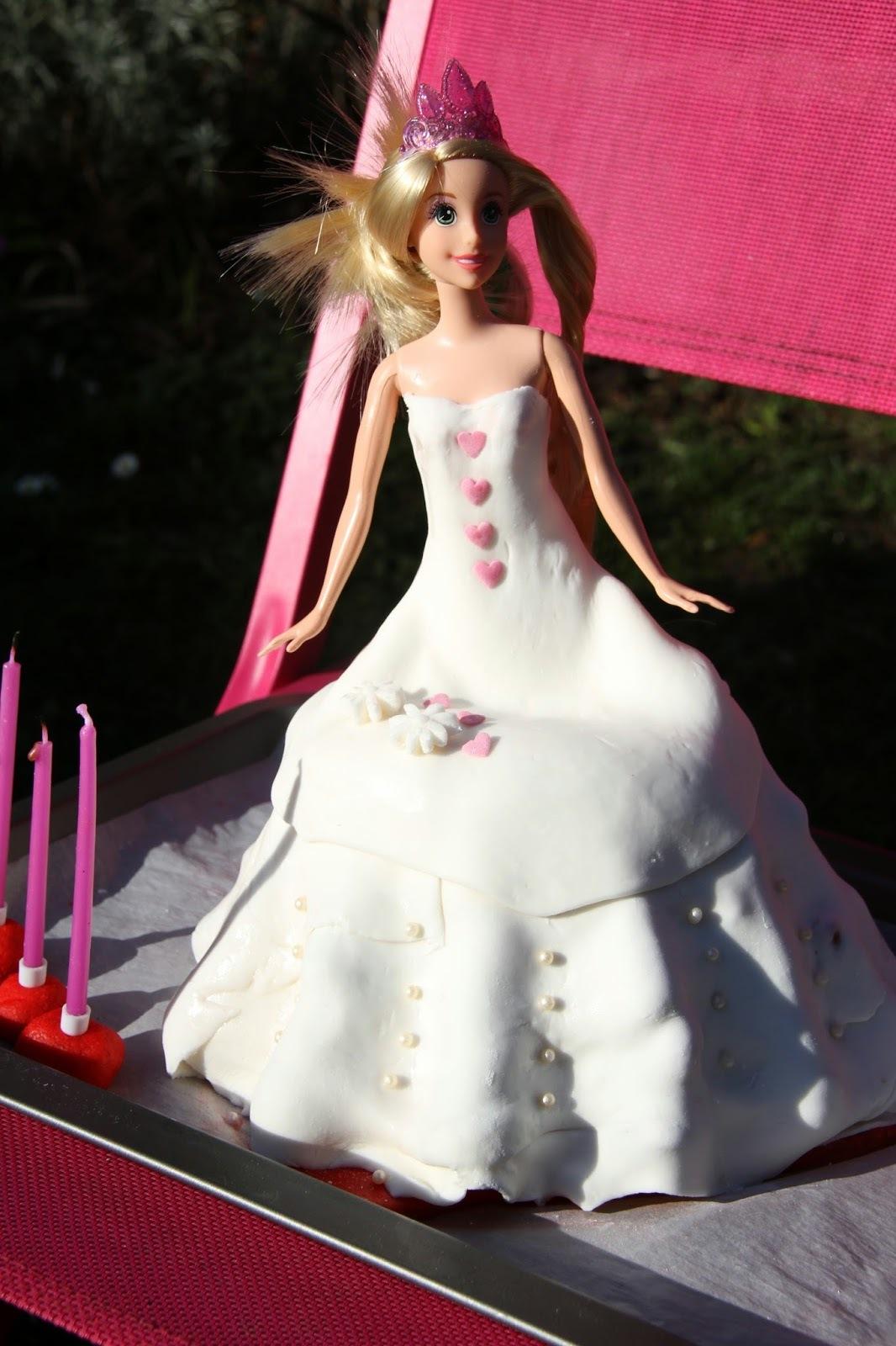 Gâteau 3D princesse : génoise, fraises et crème pâtissière