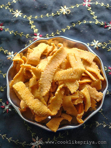 Ribbon Pakoda Recipe | Ribbon Murukku Recipe | Otu/Ola Pakoda | Christmas Palaharam Recipe