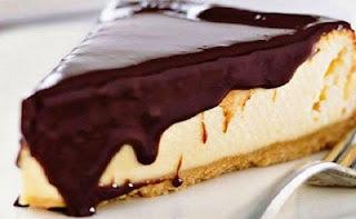 Τσίζκεϊκ με σάλτσα σοκολάτας | Λαχταριστός πειρασμός για λίγους!!