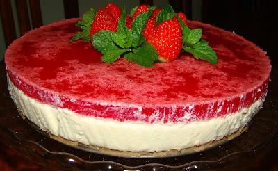 Cheesecake Com Gelatina de Morango