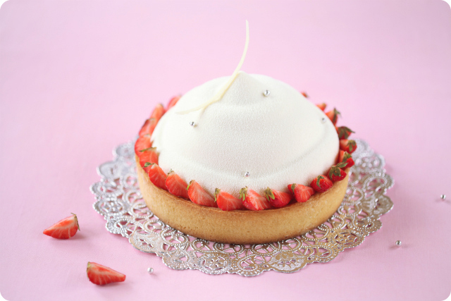 Ванильный торт-мусс с клубникой и миндалём / Torta mousse de baunilha com morango e amêndoa