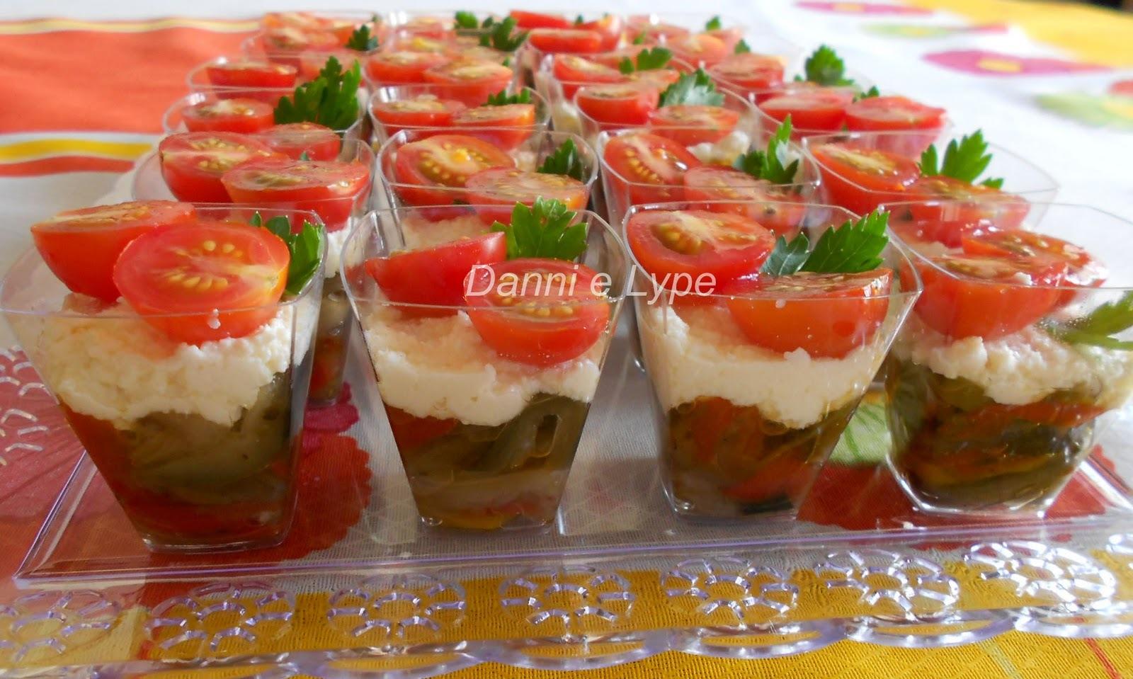 verrine de berinjela ricota e tomatinho cereja