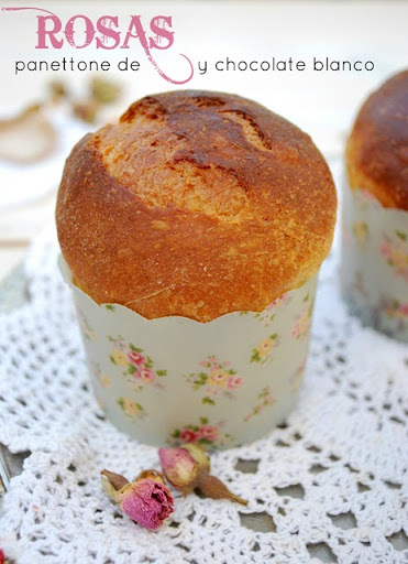 {bake the world} mini panettones de rosas y chocolate blanco