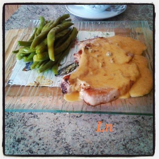 Côte de porc sauce au bleu d'Auvergne