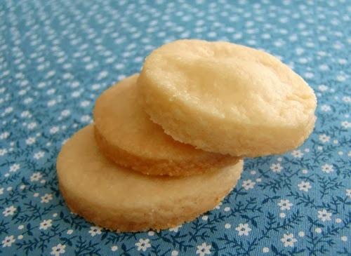 Biscoitinhos Amanteigados Simples e Rápidos