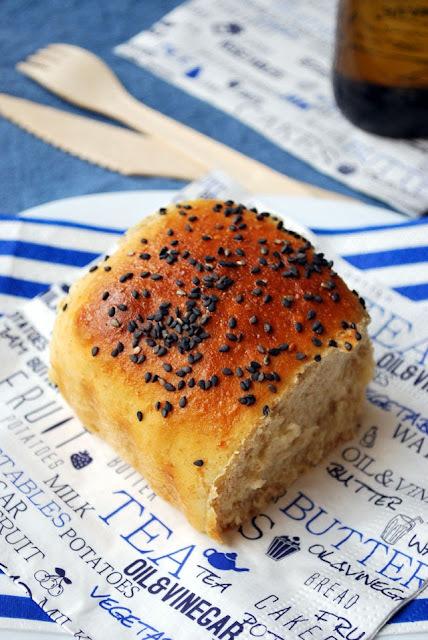 pan semi-integral con buttermilk [y un sandwich de halloumi y verduras a la plancha]