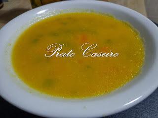 Sopa cremosa de cenoura com feijão verde (Bimby)