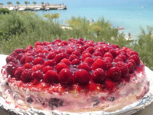 Malinovo-černicová torta s mascarpone