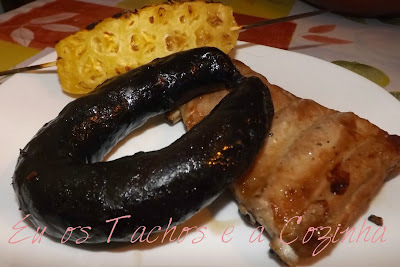 """Chouriço preto de Quiaios no forno """"negritos"""""""