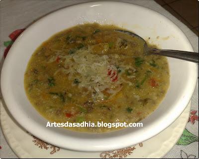 Sopa de Quinoa ,com carne moida e aveia