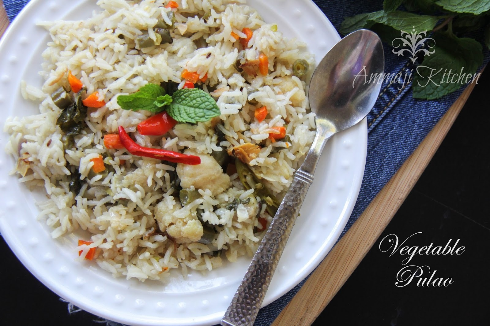 Vegetable pulao & Green Peas Potato Kurma