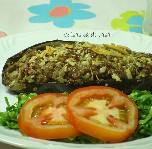 berinjela refogada com carne moida e queijo