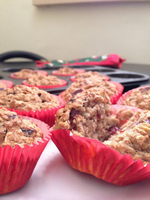 Vegan Oatmeal Banana & Craisin Muffins With Applesauce