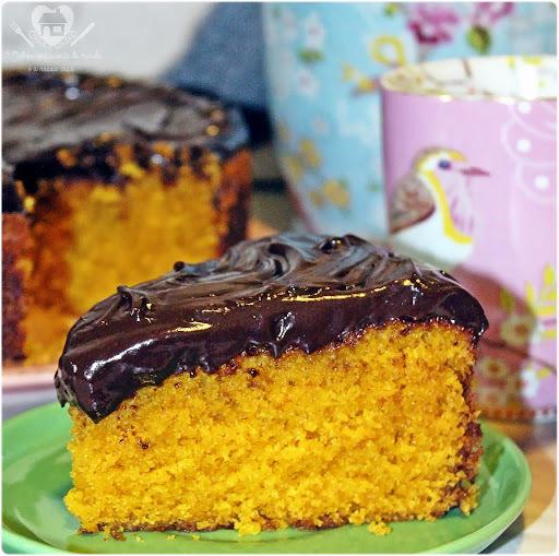 Bolo de cenoura com cobertura de chocolate da Talita