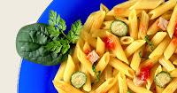 Minipenne com Ragu de Frango e Verdura com Tomate