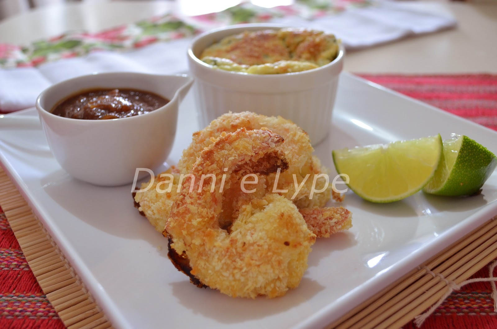 Camarão frito empanado