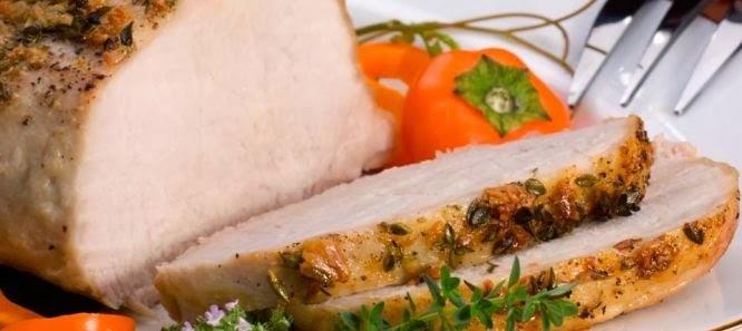 Lombo de porco assado em manteiga e ervas