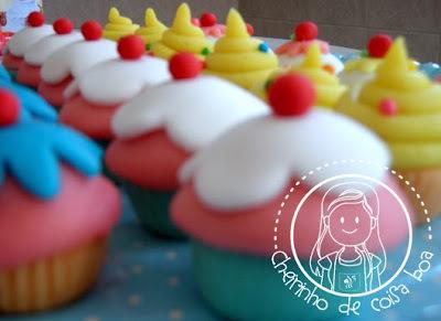 Docinho modelado em forma de cupcake