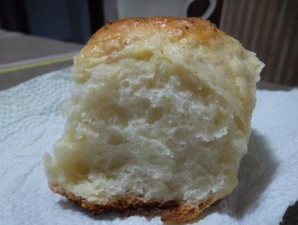 bolo de pao de forma com recheio de mussarela com presunto