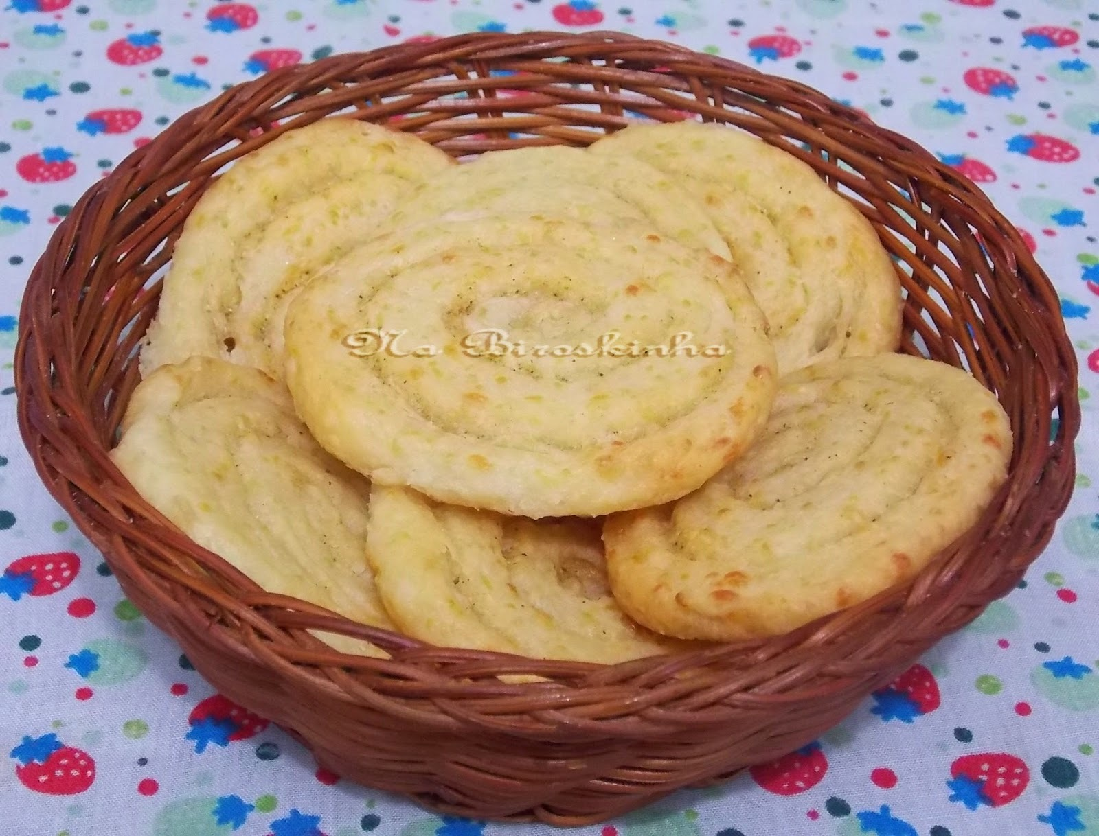 de biscoito mineiro de trigo e queijo