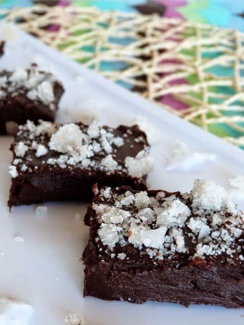 fudge de chocolate con azúcar de bourbon y sal