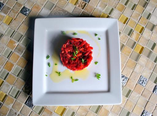 Atum com Salada de Beterraba