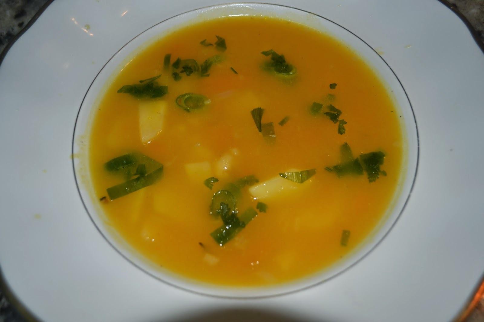 Sopa de moranga com batatas