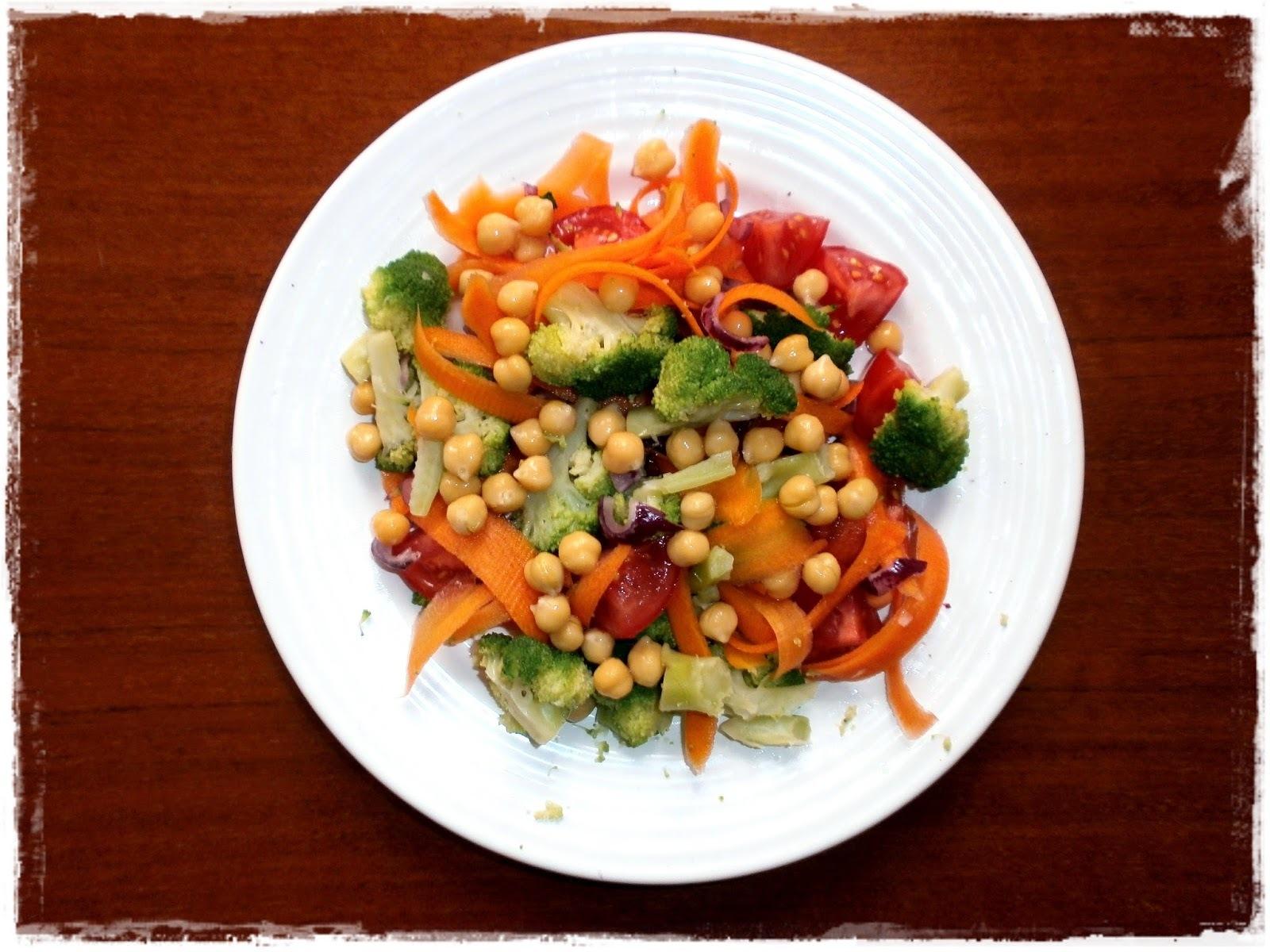 Cícerovo - brokolicový šalát